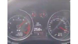 Se filmó manejando a 260 km/h y despertó la polémica