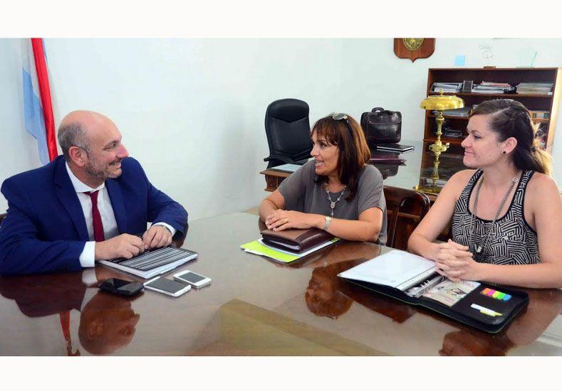 Analizan incorporar nuevas especialidades médicas al hospital de Feliciano