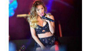 Lali Espósito se tragó un bicho y suspendió su show