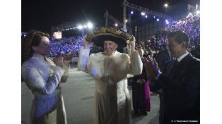 El Papa fue recibido en México por Cristian Castro y una canción especial para él
