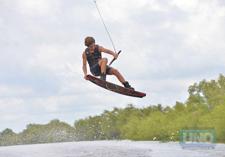 En Paraná el wakeboard siempre deja postales históricas