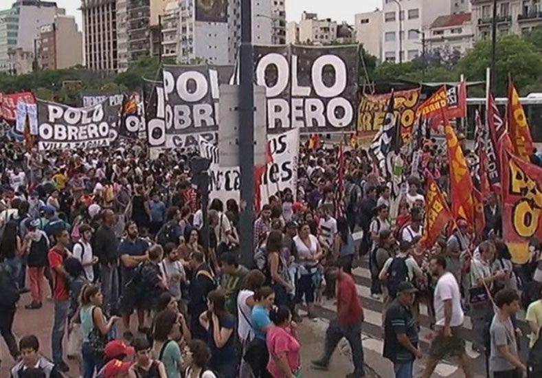 En alerta . La CTA marchó en diciembre contra las políticas económicas del gobierno de Macri.   Foto: Télam
