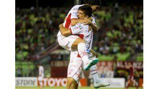 Mendoza le dio la clasificación a Huracán.  Foto: Fútbol para todos
