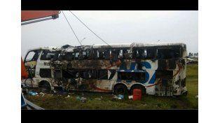 Un colectivo volcó en la ruta nacional 14: hay cinco muertos y 50 heridos