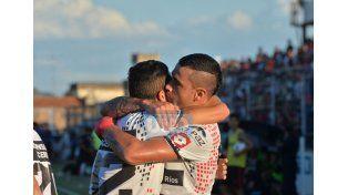 Los delanteros de Patronato coincidieron en que fue importante sumar en el primer partido ante un rival de jerarquía. (Foto UNO Juan Ignacio Pereira/ Juan Manuel Hernández)