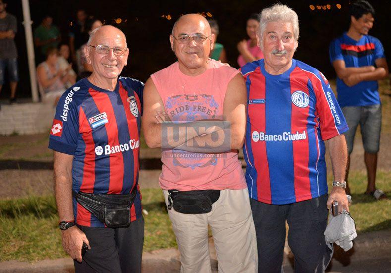 No pueden ir. Los simpatizantes de San Lorenzo no podrán ir al estadio Grella y se juntarán a ver el partido en el club Palermo. (Foto: UNO/Juan Manuel Hernández)