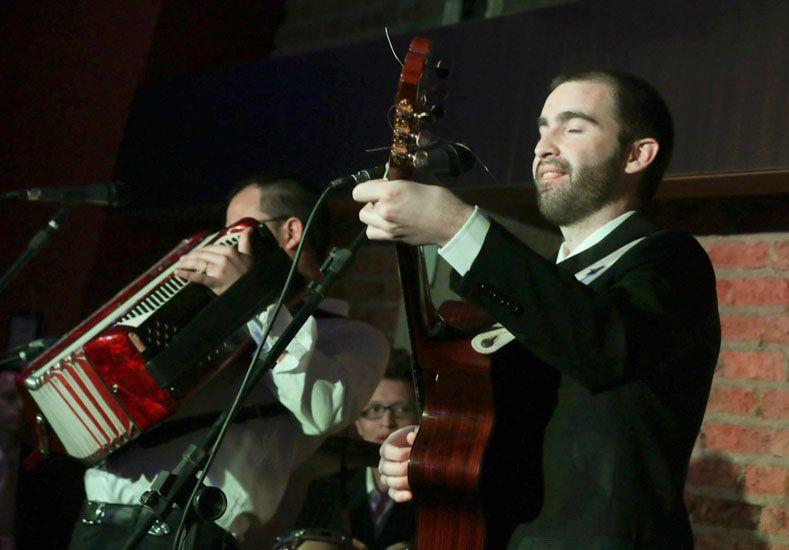 Consagrado. El joven músico se ha ganado un lugar entre lor referentes del folclore local.