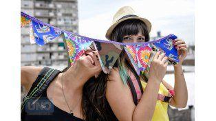 Julia y Gabriela se desprenden de todo para salir al viaje livianas