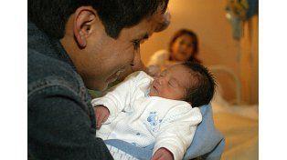 Diputada del PRO quiere ampliar la licencia por paternidad a dos meses