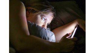 ¿Problemas para dormir?, usar mucho las redes sociales puede ser la causa