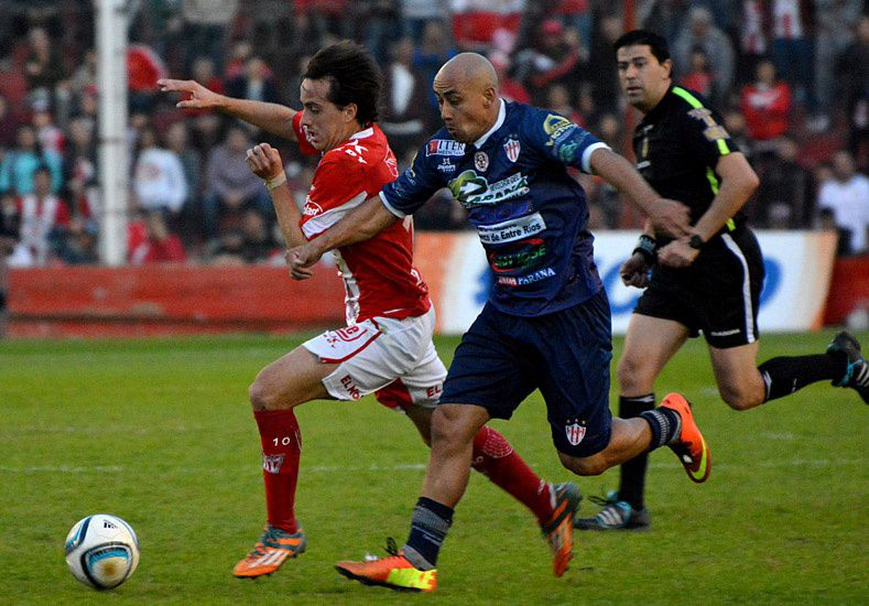 Atlético Paraná va por su primer grito en Córdoba