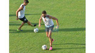 Nico Bertocchi arrancó jugando para los suplentes y luego pasó a ser parte del 11 inicial.   Foto UNO/Juan Manuel Hernández