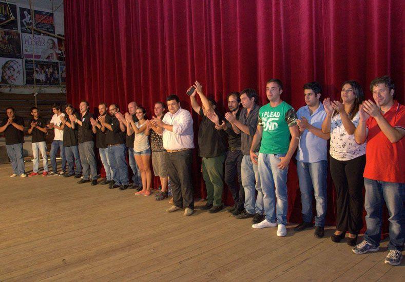 Concurrido. El certamen tuvo lugar en el Teatro 3 de Febrero.