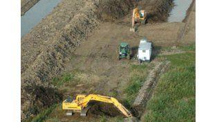 Ilícito. La empresa holandesa levantó terraplenes y diques ilegales que afectan el ecosistema.