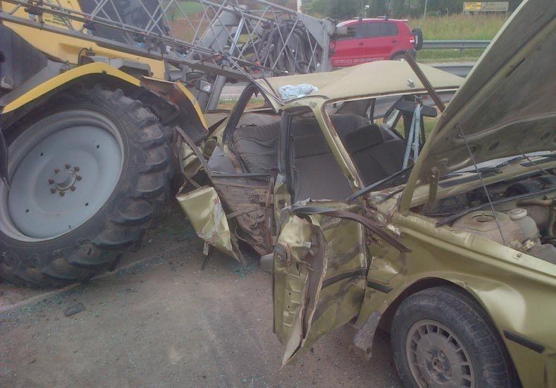 Lesiones leves. El Renault 18 tenía cuatro ocupantes.