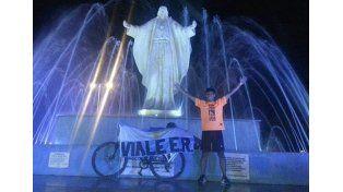 Vialense recorrió más de 1.300 kilómetros en bicicleta para unir Argentina con Uruguay
