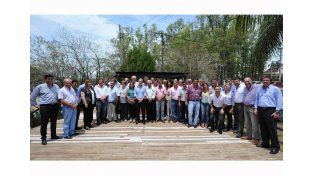 Cumbre peronista. Bordet reunió a todos los presidentes municipales de su mismo signo partidario.