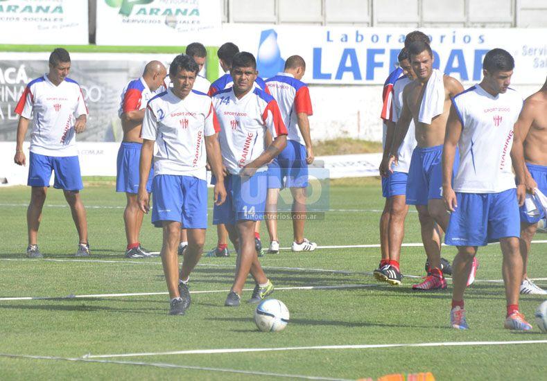La Garza será titular mañana en el debut oficial de la nueva temporada ante el Tren de Caballito.   Foto UNO/Mateo Oviedo