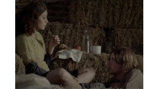 Protagonistas. Los actores Ailín Salas y Lucas Schell