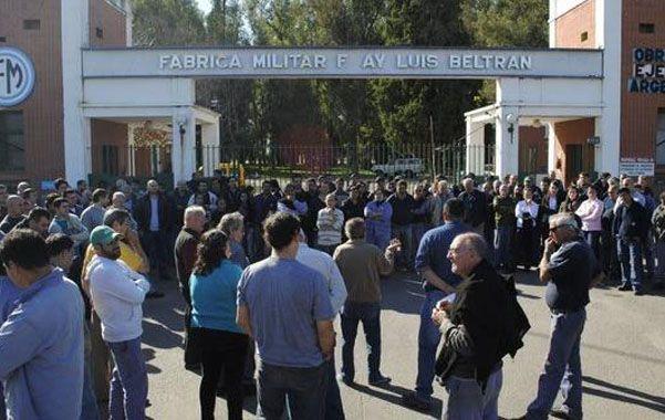 Asamblea. Los trabajadores de Beltrán se sumaron a la protesta nacional impulsada por ATE tras 140 despidos.