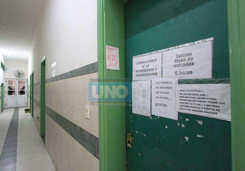 En el hospital San Martín entregan cinco turnos por día para Neurología. Foto UNO/Juan Ignacio Pereira.
