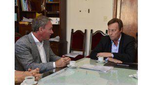 Reunión. Quieren duplicar la capacidad vial de 30 kilómetros.