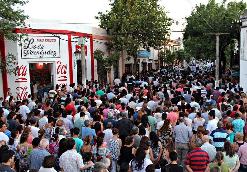 Participación. La comunidad participó de las distintas actividades organizadas por la tarde y noche.  Foto: Gentileza/Parroquia La Paz