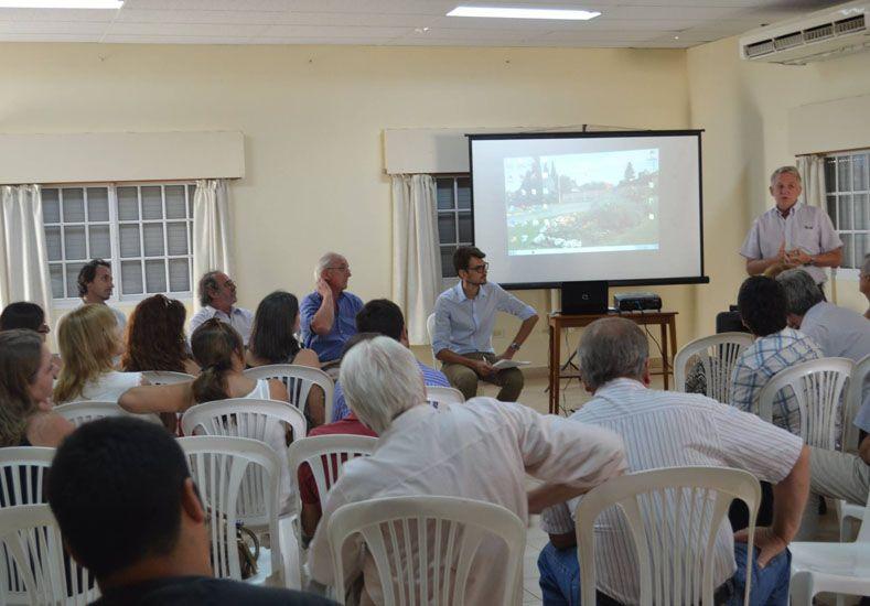 Reunión informativa. Fue en Libertador San Martín