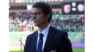 Barros Schelotto no podrá dirigir a Palermo hasta junio