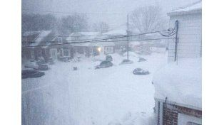 Todo blanco. La emergencia está declarada en la zona este de los Estados Unidos. Hay fallecidos hasta ayer 27 personas por la nieve.  Foto: Internet