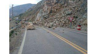 Hay unas 3.500 personas varadas en Mendoza por  aludes de barro y rocas
