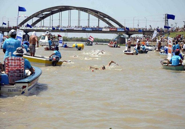 Por la crecida del Paraná suspenden maratón de aguas abiertas Santa Fe-Coronda