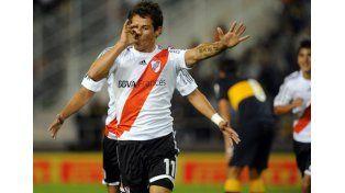 Mora fue autorizado a salir de su país y jugará el Superclásico