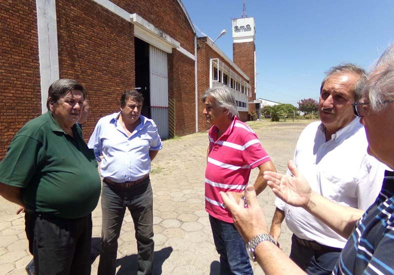 Empresarios entrerrianos están interesados en instalar una fábrica de carrocerías en Colón