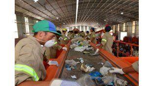 Instan a los vecinos de Paraná a separar los residuos en el hogar