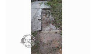 Reclaman por pérdida de agua en calle Garrigó