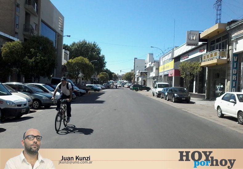 Ciclistas urbanos se juegan la vida todos los días