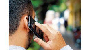 Las empresas de telefonía celular anunciaron que este año comunicarse costará