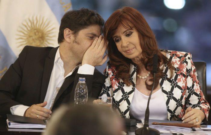 Kicillof cuestionó a Prat Gay con una nota que difundió Cristina Kirchner