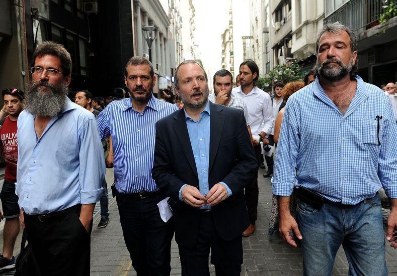 La policía impidió el ingreso de Sabbatella a la ex Afsca