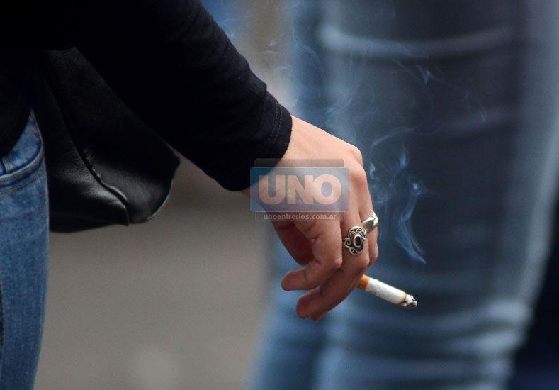 Tabaquismo. Es considerado un problema de salud pública.  (Foto UNO/Archivo)
