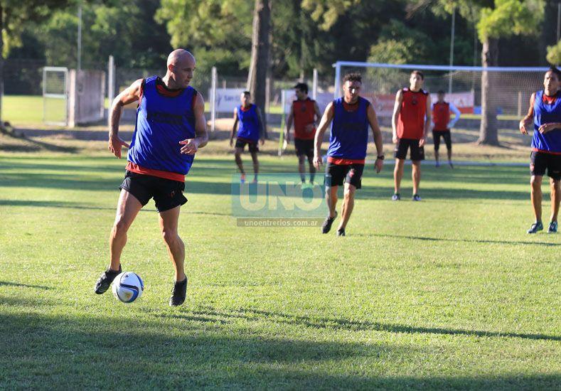 Iván Furios formó parte de la doble jornada de entrenamientos del plantel de Patronato.  (Foto: UNO/Diego Arias)