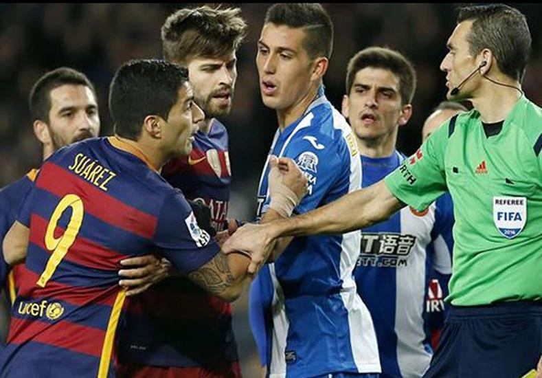 El delantero uruguayo fue sancionado de oficio