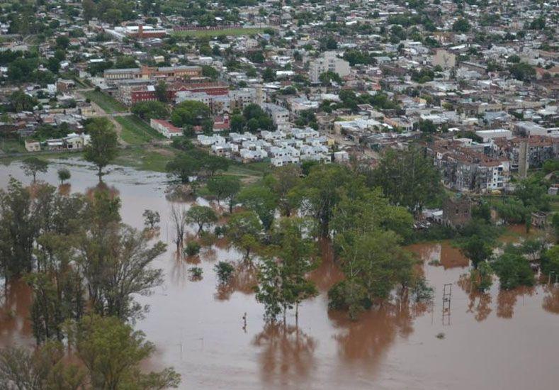 Estiman en alrededor de 200 los comercios afectados por la inundación en Concordia