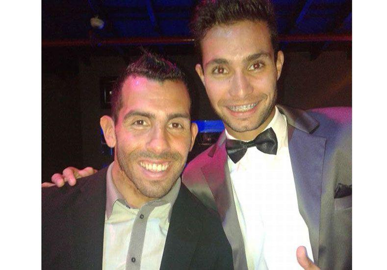 Con el Apache. El concordiense Federico Bruno junto al ídolo de Boca Juniors Carlos Tevez en una entrega de premios.