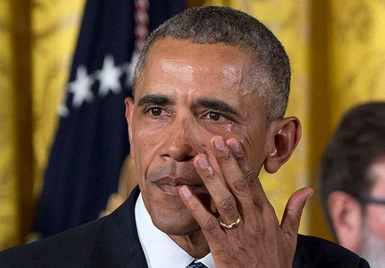 Entre lágrimas, Obama pidió más control de armas