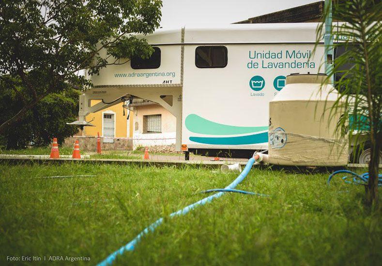 Una lavandería movil asiste a las familias inundadas en Concordia