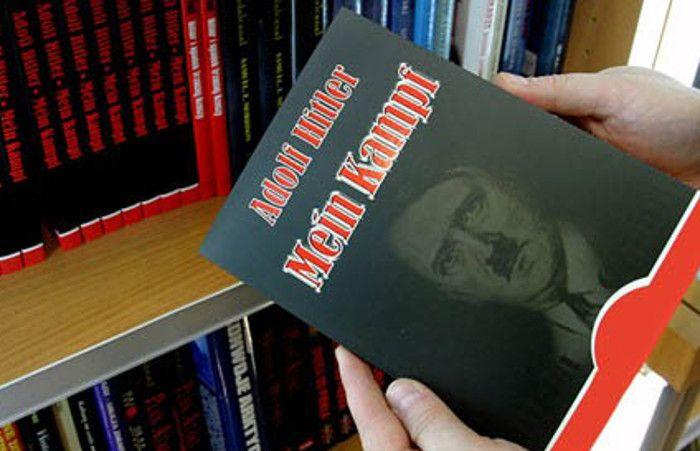 Controversial. El libro original tiene 600 páginas. El nuevo (foto)