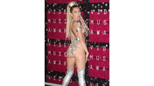 Miley Cyrus en los MTV Video Music Awards el 30 de agosto.