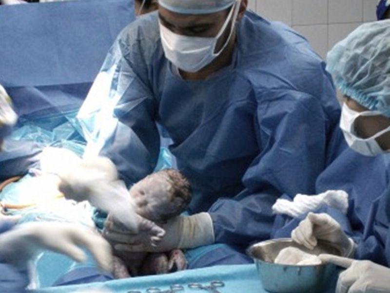 El título del primer bebé del año lo comparten tres varones y tres niñas